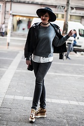 Milica Krstic - Stella Mccartney, Tommy Hilfiger Jeans, United Colors Of Benetton Sweater - Casual elegance