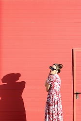 Natalia M - Shein Floral Dress, Céline Baby Marta Sunnies - FLORAL DRESS