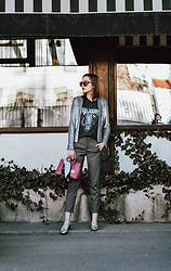 Andreea Birsan - Sequin Blazer, Graphic T Shirt, Check Trousers, Silver Metallic Leather Mules, Furla Linda S Hot Pink Tote Bag - How to wear a sequin blazer during the day II