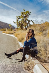 Ralizabeth Orellana - H&M Top, Cotton On Jeans, Booties - Desert Style