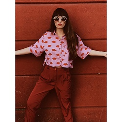 Ali D - Urban Outfitters Silence And Noise Cropped Button Down - Red Lips