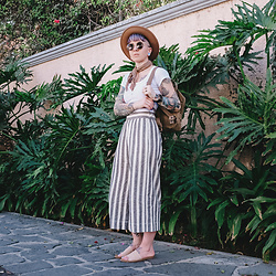 Jessie Barber - Madewell Huston Cropped Pants, American Apparel Cropped Button Up, Steve Madden Calahan Sandals, Fjallraven Mini Daypack, Yellow 108 Hat, Dsw Bandana, Madewell Fest Sunglasses - Guadalajara