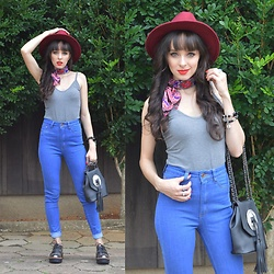 Diana Schneider - Gdoky Jeans Blue, Dresslily Crossbody Bag, Dakota Oxford Shoes - Love Is Mystical