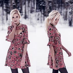 Faye S. - For Love & Lemons Ayla Dress, Ettika Necklace - When I'm with you, I'm at home