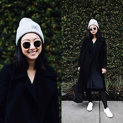 Tiffany Wang - Acne Studios Beanie, Cos Dress, Common Projects Sneakers, Céline Tote - LIVING WALL