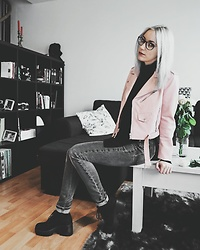 Saskia B. - Zara Pink Perfecto, H&M Knit, Cheap Monday High Waisted Jeans, Vagabond Dioon - Pinky perf'