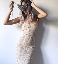 Da Li - Forever 21 Necklace - Handmade lace dress