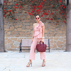 Mayo Wo - Gentle Monster Sunnies, M Stadelmann Studio Roselle Choker, Sea New York Bow Top, Coach Burgundy Bag, Marni Bow Heels - Super Bow
