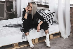 Krist Elle - White Denim Anlkle Boots, Sammy Dress Black Velour Tracksuit, Sammydress.Com Glasses Trends 2017 - Trandy velour tracksuit 2017