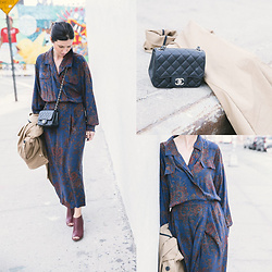 URBAN CREATIVI-TEA - Vintage Dress, Chanel Bag, Zara Trench Coat, Maison Martin Margiela Shoes - Vintage Dress & Williamsburg / urbancreativi-tea