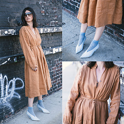 URBAN CREATIVI-TEA - Céline Sunglasses, Cos Socks, Céline Shoes, Black Crane Dress - Spring Linen Dress / urbancreativi-tea