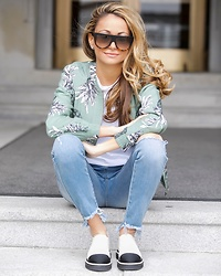 Lauren Recchia - Bb Dakota Bomber Jacket, One Teaspoon Jeans, Chanel Flats - Pineapple Pattern