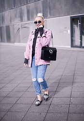 Vanessa Kandzia - Topshop Denim Jacket, River Island Slippers - PINK DENIM JACKET