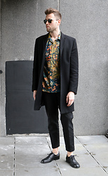Jordi - Cos Wool Coat, Dries Van Noten Carlton Shirt, H&M Trend Trousers, Filippa K Dylan Oxford Shoes - Print