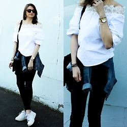 Audrey - Zaful Top, Asos Skinny, Nike Sneakers, Rosefield Watch - Off Shoulders