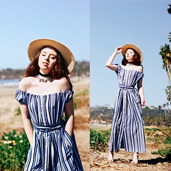 The Indie Girl Fleming - Vipme Off The Shoulder Maxi Dress - BY THE SEA WITH VIPME