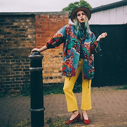 Natalia Homolova - Rokit Jacket, Topshop Pants, Asos Shoes, Rokit Hat - Poison Mushroom