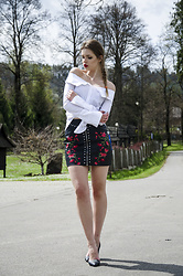 Marcela Wlodarczyk - White Blouse Off Shoulders, Leather Skirt - SLAV (FLORAL PRINT LEATHER SKIRT)