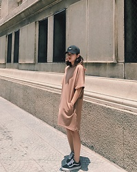 Nga Wendy -  - Hoodie Dress