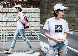 Samantha Mariko - American Needle Cap, Moussy X Adidas T Shirt, Choke Me Jewelry Choker, Zerouv Glasses, Urban Outfitters Jeans, Gaston Luga Backpack, Charles & Keith Flats - Street style the girly way