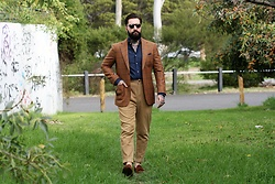 Jared Acquaro - Tbd Eyewear Pleat, Oscar Hunt Tailors Tweed Jacket, Sartoria Rossi Denim Shirt, Polo Ralph Lauren Corduroy Pants, Herring Shoes Suede Loafers - Autumn Colors