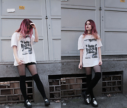 Sofi B. - C&A Printed White Tshirt, H&M Thigh Socks, Boohoo Black And White Creepers - The attempts improve you