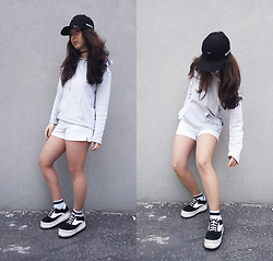 Mon M - Cap, Arena Hoodie, Lacoste Shorts, Platform Sneakers - Neighbourhood.