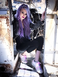 Alyssa Claire - Free People Jacket, Yru Shoes Aiire, Urban Outfitters Charcoal Top, Victoria's Secret Pink Leggings - I wear my diamonds on skid row  ?