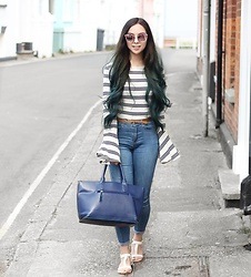 Jen Lou M - Zara Bell Sleeve Top, Zerouv Sunglasses, Topshop Joni Jeans - Rose tinted glasses