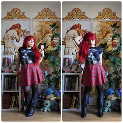 Asu Rocks - Rocknroll Wrestling Bash Tee, Asos Wide Belt, Primark Plaid Skirt, Asos Fringe Boots - Ready to go