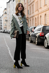 Swantje Sömmer | OffwhiteSwan - Gucci Bag, Shop All Items On My Blog - Parka, Culotte w/ Pearls & Gucci Dionysus