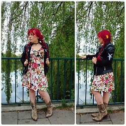 Asu Rocks - Diy Customized Primark Jacket, Asos Flower Dress, Vintage Western Boots - It's finally summer dress time!