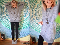 Kelly Doll - Azteken Sweater, Black Leggins - Off to university (but cute)