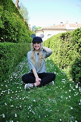 Elisa Bochicchio - H&M Hat, Zara Tee, Pinko Trousers, Vans Slip On - Mickey loves spring