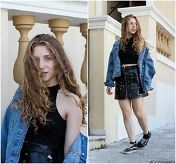 Andriana Argiropoulou - Pull & Bear Denim Jacket, Crop Top, H&M Buckled Belt, Pull & Bear Faux Leather Skirt, Nike Socks, Vans Sneakers - Summer in the City