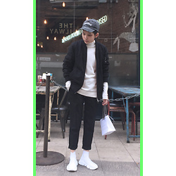Kai Chi Lao - Balenciaga Shoes。 - #green #unknown #balenciaga #outfitsociety #blueingreen 。