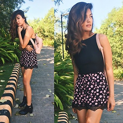Ronah - Topshop Pink And Black Floral Shorts, Topshop Black Ribbed Bodysuit, Topshop Black Ankle Heel Boots - Late To Coachella