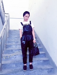 Queena Zhou -  - Love the New Bag