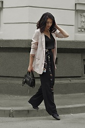 Ellone Andreea - Stradivarius Pajama Blazer, H&M Pajama Pants - After you wake up