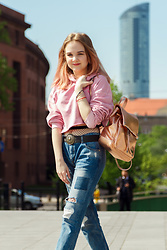 LYNN Nina - H&M Pink Crop Hoodie, Calzedonia Fishnets, Toscanio Backpack, Mango Boyfriends Jeans - Young for the summer