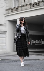 Bianca F - H&M Skirt - Huge ruffle skirt