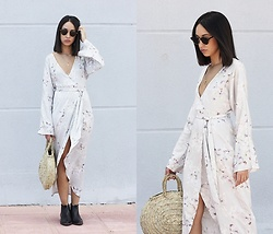 Esther L. - Missguided Floral Kimono Dress, Roberto Martín Classic Sunglasses, Mango Cowboy Ankle Boots - FLORAL KIMONO DRESS