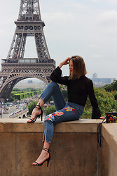 Ola - Zara Embroidered Jeans, Isabel Marant Shoes, Zara Transparent Shirt, Vintage Bag - Tour Eiffel