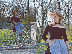 Agnieszka Warcaba - Reserved Hat, Sammydress Top, Gatta Tights, Zaful Mom Jeans, H&M Bag, H&M Boots - Mom jeans
