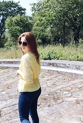 Sandra Andrade - Rosegal Yellow Mini Dress, Bershka Blue Jeans, Primark Sunglasses - Yellow Hello