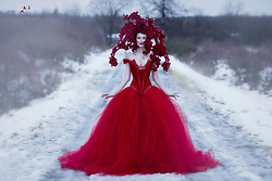 Sharon Boucquez - Linda Friesen Dress - Snow White & Rose Red