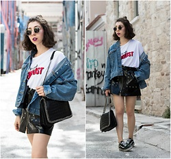 Theoni Argyropoulou - Stradivarius Graphic Tee, Denim Jacket, Pull & Bear Leather Skirt, H&M Belt, Zara Shoulder Bag, Sunglasses, Vans Sneakers - Urban Summer Feelings