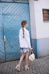 Juliette Jakubowska -  - White denim jacket and patterned dress