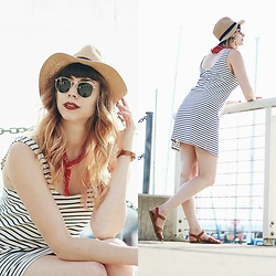 Mackenzie S - Madewell Striped Dress, Saltwater Sandals, Asos Straw Fedora, Ray Ban Ray Ban Sunglasses, Fitbit Alta Hr - Simply Stripes