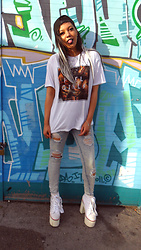 Furai T - Fuel Girls, Missguided Ripped Jeans, Y.R.U White/Silver Heart Platforms - Summer Chill <3